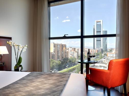 卡斯提亚大道酒店 - 马德里 - 睡房