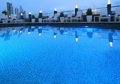 巴拿马城欧洲之星酒店 - 巴拿马城 - 游泳池
