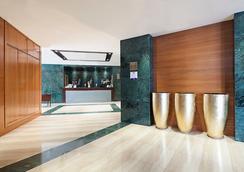 欧洲之星莱昂酒店 - 莱昂 - 大厅