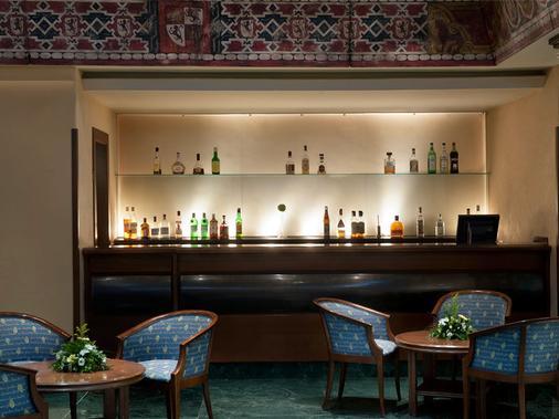 梅里亚拉斯克拉拉斯精品酒店 - 萨拉曼卡 - 酒吧