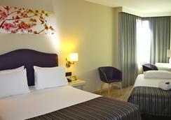 埃克蒙克洛亚酒店 - 马德里 - 睡房