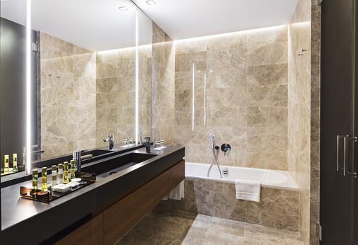 塞维利亚托雷欧洲之星酒店 - 塞维利亚 - 浴室
