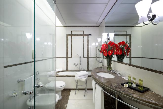 艾克塞尔西亚欧洲之星酒店 - 那不勒斯 - 浴室