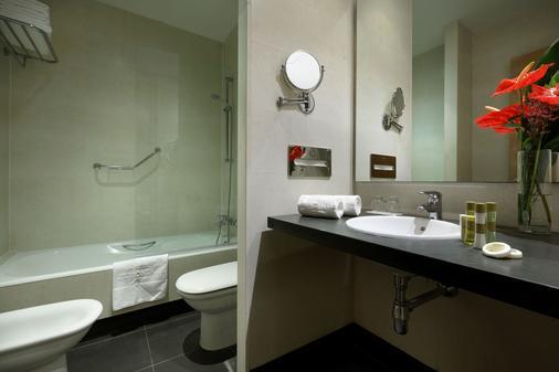 欧洲之星光明之城酒店 - 阿利坎特 - 浴室