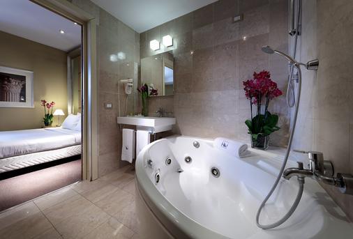 罗马欧洲之星圣约翰酒店 - 罗马 - 浴室