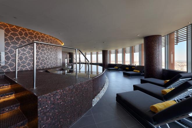 塞维亚托雷欧洲之星酒店 - 塞维利亚 - 游泳池