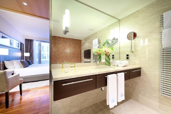 柏林欧洲之星酒店 - 柏林 - 浴室