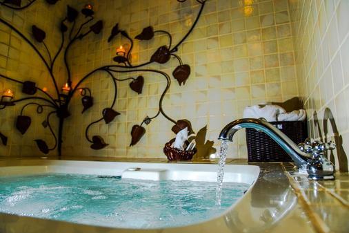 门安提瓜酒店 - Antigua - 浴室