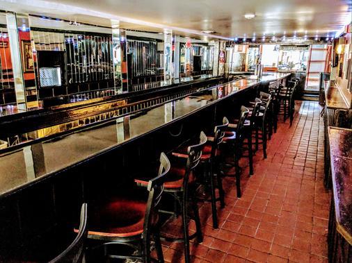 切尔西酒吧与旅馆 - 大西洋城 - 酒吧