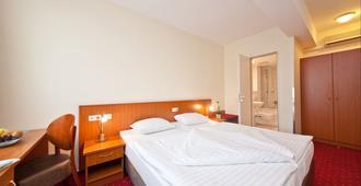 贝尔蒙多汉堡hbf诺富姆酒店 - 汉堡 - 睡房