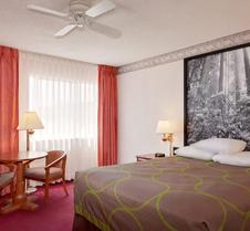 尤里卡速8酒店