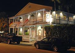 苍鹭楼苑酒店 - 只限成人 - 基韦斯特 - 建筑
