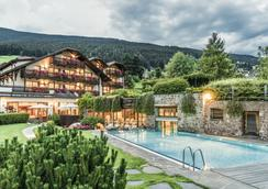 安杰罗恩格尔酒店 - 奥蒂塞伊 - 游泳池