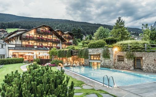 安杰洛恩格尔酒店 - 奥蒂塞伊 - 游泳池