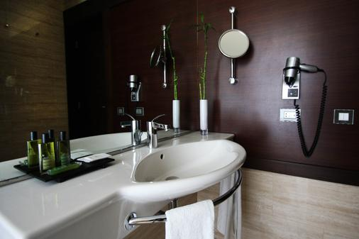 博阿维斯塔贝飒酒店 - 波尔图 - 浴室