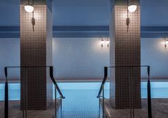圆点香榭丽舍酒店 - 巴黎 - 游泳池