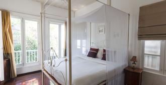 伊布里克河滨度假酒店 - 曼谷 - 睡房