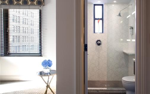 罗杰威廉姆斯酒店 - 纽约 - 浴室