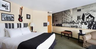 816酒店-阿桑德连锁酒店成员 - 堪萨斯城 - 睡房