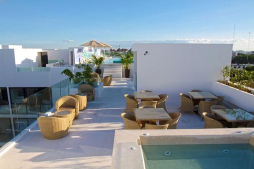亚拿套房公寓 - 卡曼海灘 - 露天屋顶