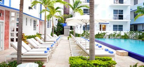 佩斯塔纳南滩酒店 - 迈阿密海滩 - 露台