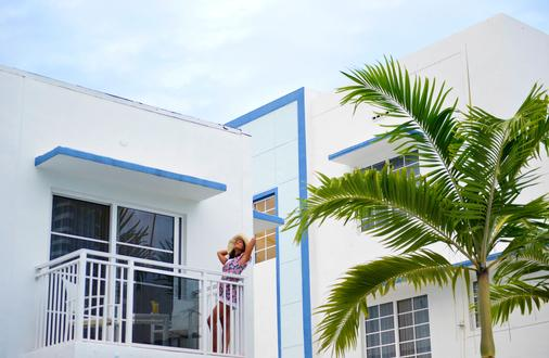 迈阿密佩斯塔纳南海滩艺术装饰酒店 - 迈阿密海滩 - 阳台