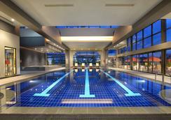 安卡拉希尔顿酒店 - 安卡拉 - 游泳池