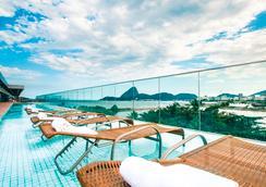 桑托斯杜蒙奇才酒店 - 里约热内卢 - 游泳池