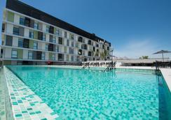 加利昂linx国际机场酒店 - 里约热内卢 - 游泳池