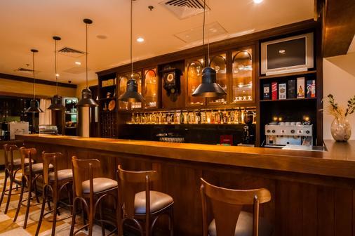 格拉马杜高山小屋奇迹酒店 - 格拉玛多 - 酒吧