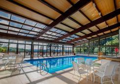 格拉马杜高山小屋奇迹酒店 - 格拉玛多 - 游泳池