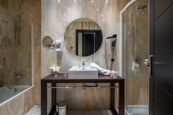 马拉加中心塞勒斯酒店 - 马拉加 - 浴室