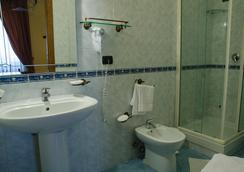 圣特爱里吉欧酒店 - 那不勒斯 - 浴室