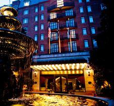 贝尔蒙德查尔斯顿广场酒店