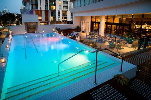 布里斯班雷洁斯南岸酒店 - 布里斯班 - 游泳池
