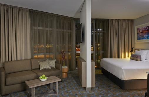悉尼雷吉斯机场酒店 - 悉尼 - 睡房