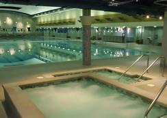 贝尔维尤酒店 - 贝尔维尤 - 游泳池