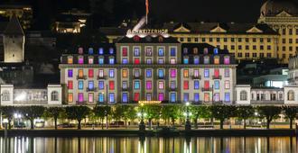 卢塞恩施威霍夫酒店 - 卢塞恩 - 建筑