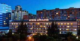 阿卡迪亚酒店 - 敖德萨