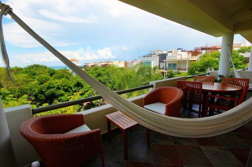 玛雅海滨度假套房酒店 - 卡曼海灘 - 阳台