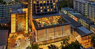 曼谷素坤逸希尔顿逸林酒店 - 曼谷 - 建筑