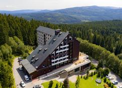 奥拉地平线度假酒店 - 泽勒兹纳·鲁达 - 建筑