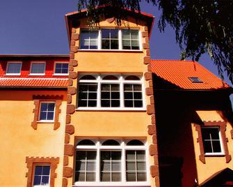 韦希特尔滨兹酒店 - 奥茨巴德宾兹 - 建筑