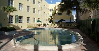 韦斯特盖特南海滩酒店 - 迈阿密海滩 - 游泳池
