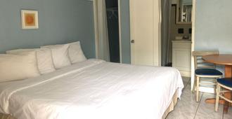 圣莫里斯海滩旅馆 - 好莱坞 - 睡房