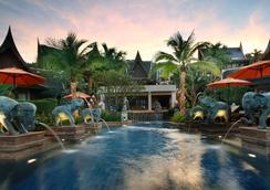甲米阿玛里时尚酒店 - 甲米 - 游泳池