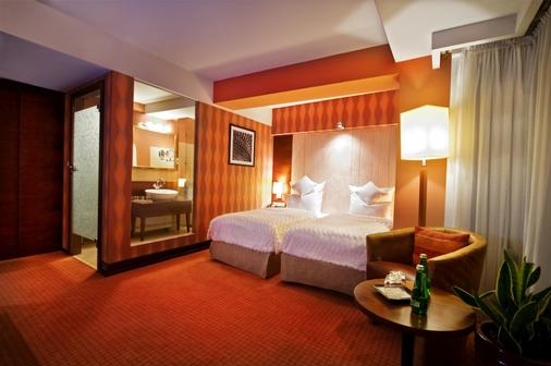 豪华精品酒店 - Rzeszow - 睡房