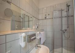 柏林蒂尔加滕酒店 - 柏林 - 浴室
