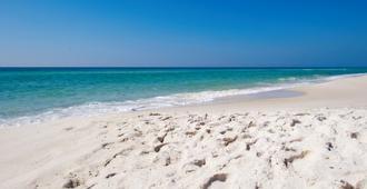 花园套房酒店 - 彭萨科拉 - 海滩