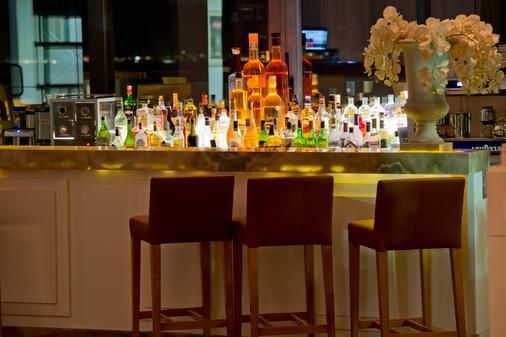 博德鲁姆华美达度假酒店 - 博德鲁姆 - 酒吧
